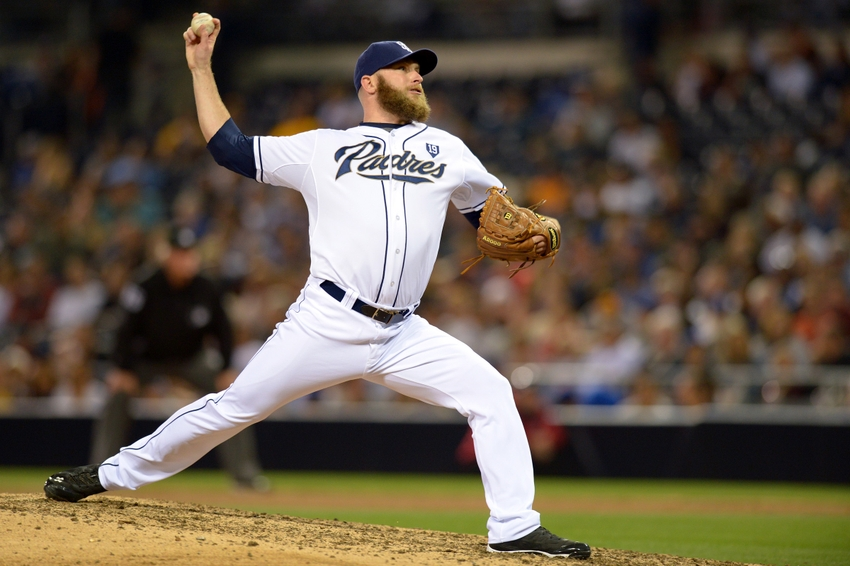 The Atlanta Braves signed former San Diego Padres relief pitcher Blaine Boyer to a minor league contract today - Jan 17, 2016.